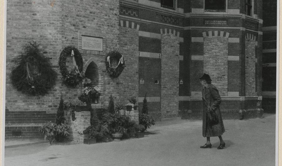 Gedenkteken slachtoffers represaille Laan van NOI