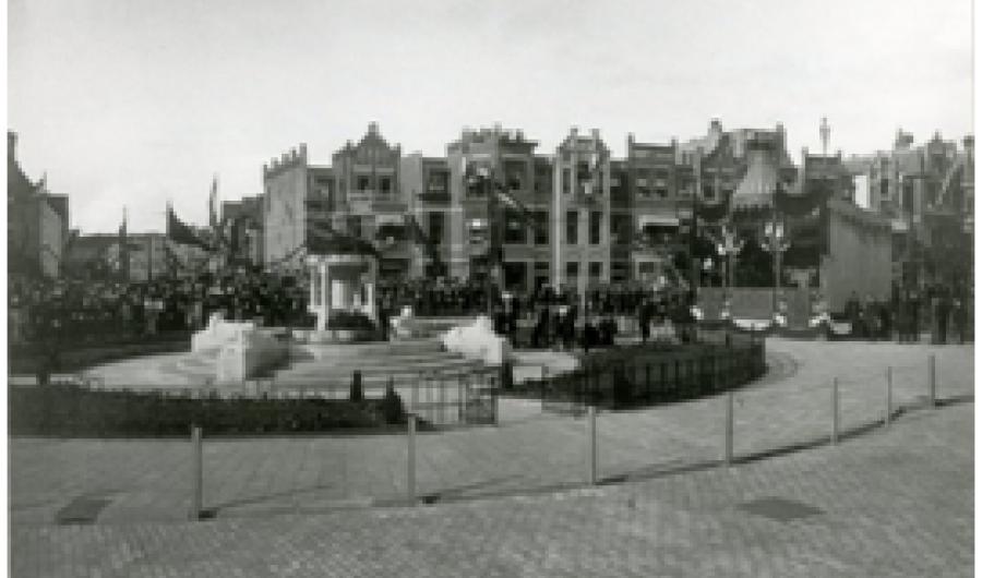 Leeuwenmonument of Zandloper
